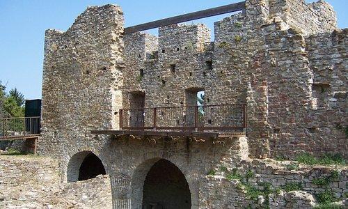 Castello di Tizzano Val Parma Facciata anteriore