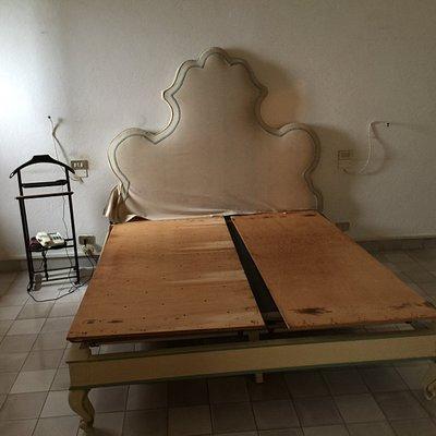 letto stile antico veneziano