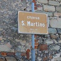 "Табличка с надписью ""Церковь Сан Мартино"""