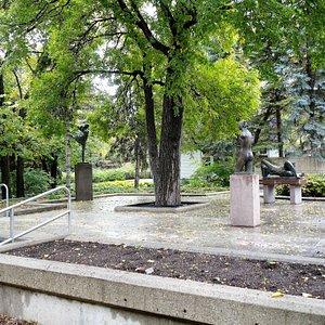 Leo Mol Sculpture Garden @endoedibles on Instagram
