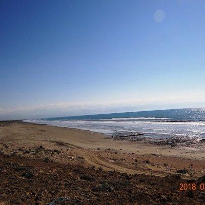 Der schöne, weitläufige Strand