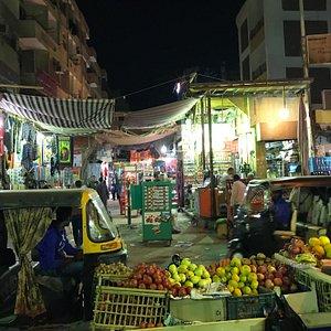 Visita Nocturna al Mercado de Asuán