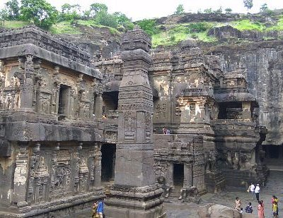 This is 16 no cave in ellora aurangabad maharashtra .