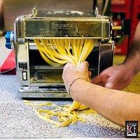 Preparazione pasta - pasta making