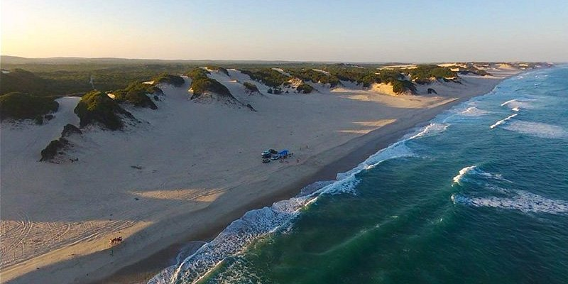 Discover with Mussiro Trips the peace, nature, dunes and beautiful beaches in Calanga. Perfect place to disconnect from the rest of the world, bird watching from the dunes and also the rhythms of the soft waves as the sun goes down… And much more!