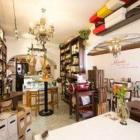 Spanische und europäische Weine Hervorragende Sherrys Whisky Gin, Schokoladen,