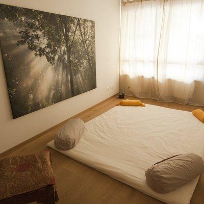La stanza dei trattamenti Amotion Shiatsu