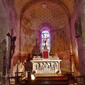 Construite aux 9ème et 10ème siècles, cette église est un remarquable exemple de la présence chrétienne dans la région, présentant un cœur et un chevet préroman.