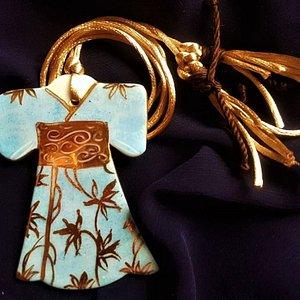 Ciondolo a Kimono interamente realizzato a mano in porcellana Limoges