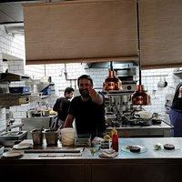 Una cocina abierta, un cocinero excepcional