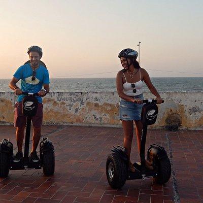 Los atardeceres en la ciudad de Cartagena son algo para no olvidar... esa mezcla de colores cálidos y fríos es lo que más llama la atención a nuestros visitantes.