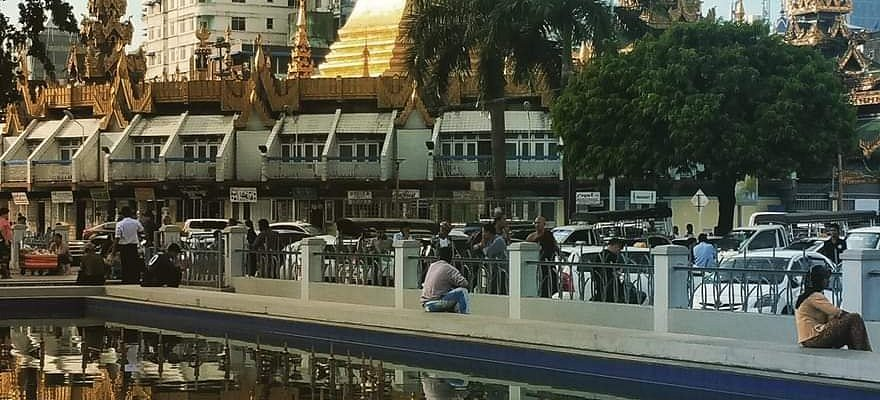 Sule Pagoda.. Yangon City Center.