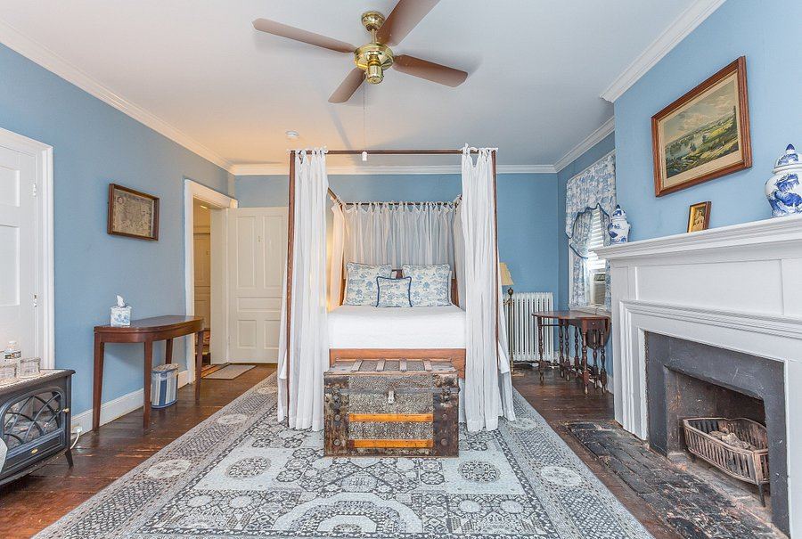 Holladay House Bed And Breakfast, Holladay House Furniture