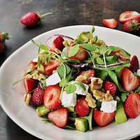 SUMMER DELIGHT SALAD Strawberries, avocado, red onions, rocket, walnuts and feta. *vegan option available