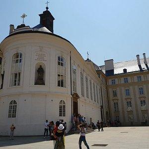 Прага. Часовня Святого Креста (Kaple svatého Kříže).