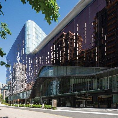 Parq Vancouver Exterior