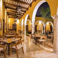El Museo de la Gastronomía Yucateca, es un restaurante donde podrá disfrutar lo mejor de la cocina Yucateca aunado a un recorrido por un museo gastronómico.