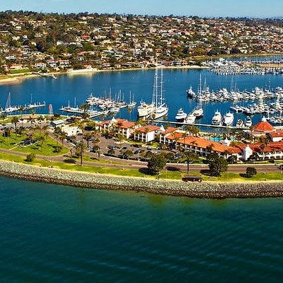 Visit our Kona Kai location for all your San Diego Bay boat rental and watersport needs. We've got powerboats, sailboats, waverunners, paddleboards, kayaks and much more!
