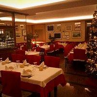Oltre al buon cibo, anche il clima natalizio non manca. Buone feste a tutti!