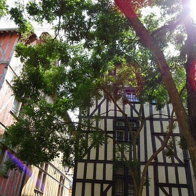 Troyes!