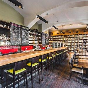 Vinograf wine bar and restaurant