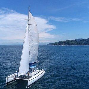 Sailing through the Guanacaste coast