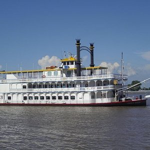 2-Hour Historical River Cruise Aboard the Paddlewheeler Creole Queen