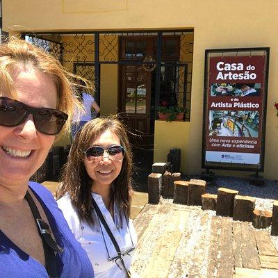 Fachada da Casa do Artesão na rua Duque de Caxias!