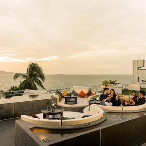 Sunset Terrace and Lobby Bar