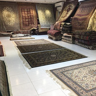 Very beautiful place with a large collection of persian and iranian carpets and rugs. Located in Sharjah, UAE.