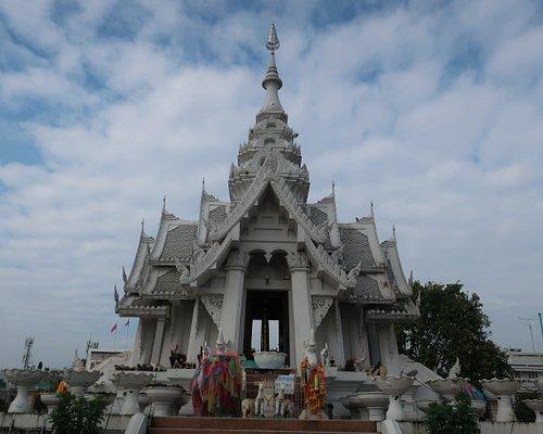 Lak Muang Phayao Shrine