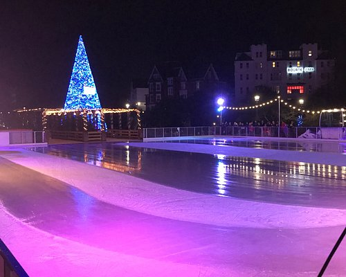 Very large ice rink
