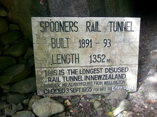 Spooners Tunnel sign