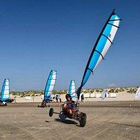 Blokarten & Powerkiten bij BeachLine met vrijgezellendag of bedrijfsuitje