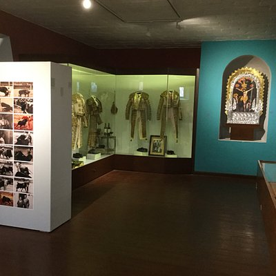 El Museo Taurino de Acho es un encuentro de colores de fondo con lo mejor del patrimonio histórico artístico de la fiesta brava.