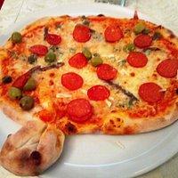 Die sehr gute Pizza