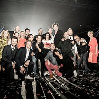 Photo de Francis Guillard prise au zénith de Nantes lors de la soirée des 20 ans de la compagnie ! Ze Soirée diffusée sur TMC le 29 décembre à 21h00