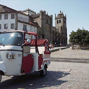 TUK TUK RIDER Porto @ Sé Cathedral