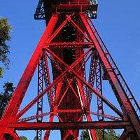 三角形の橋脚が美しい奥澤橋梁