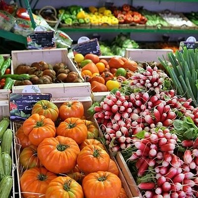 Palafox Market is a certified farmers market featuring locally-grown produce, plants and flowers.