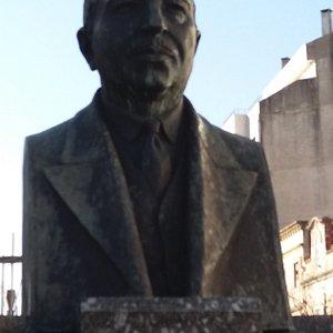 Monumento Busto a Dr Lourenco Simoes Peixinho