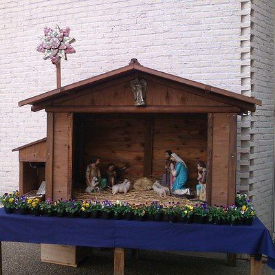 It was on the day before Christmas that I visited the church.