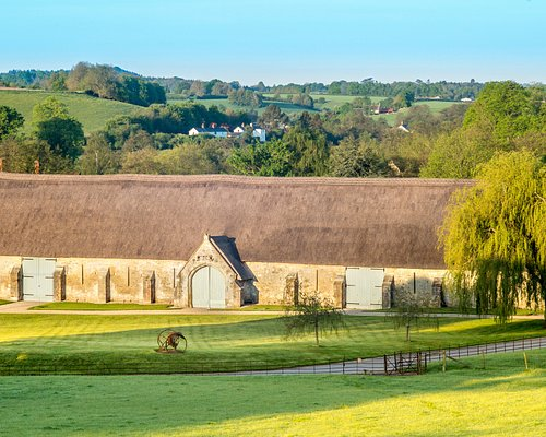 The Messums Wiltshire 13th century tithe barn gallery