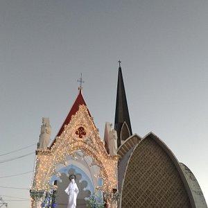 Hermosa Basílica..por dentro es aún más majestuosa
