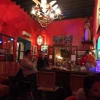 Muy bonito lugar, servicio excelente. Muy mexicano.