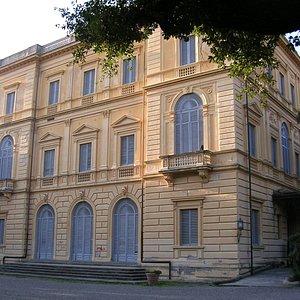 בנין מפואר מהמאה ה-19