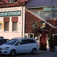 Club 88 étterem és Grill terasz