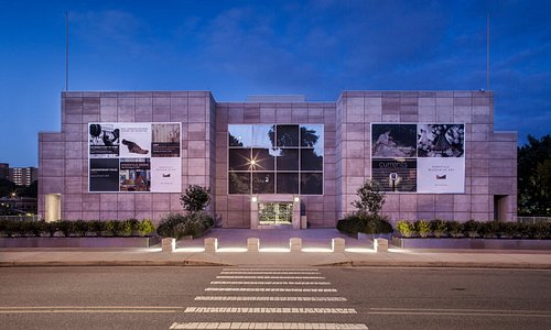 Knoxville Museum of Art at twilight