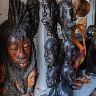 The quality and details of the wood carved masks is way better than any of the souvenir shops.