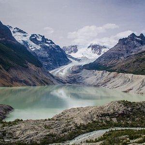 Vista Frontal del Glaciar Calluqueo